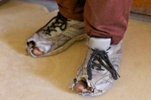 sepatu-tersinggung